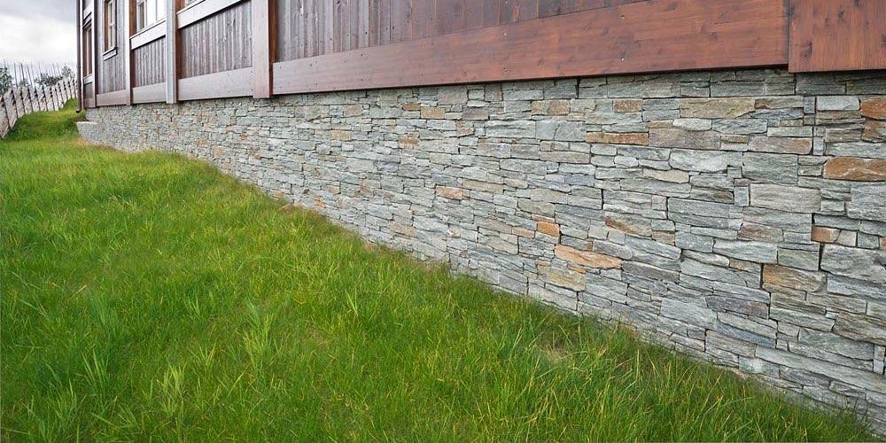 Stein på grunnmur